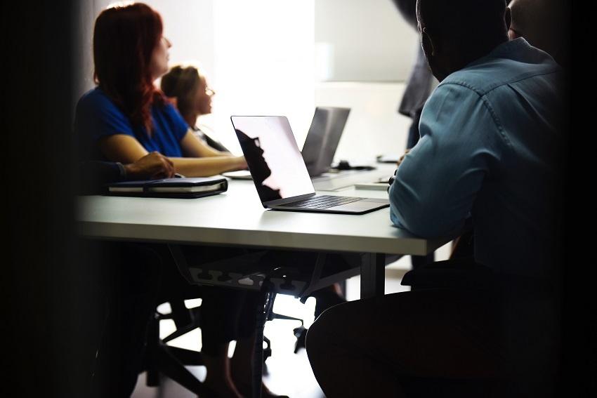 El papel de la automatización en la gestión de comités