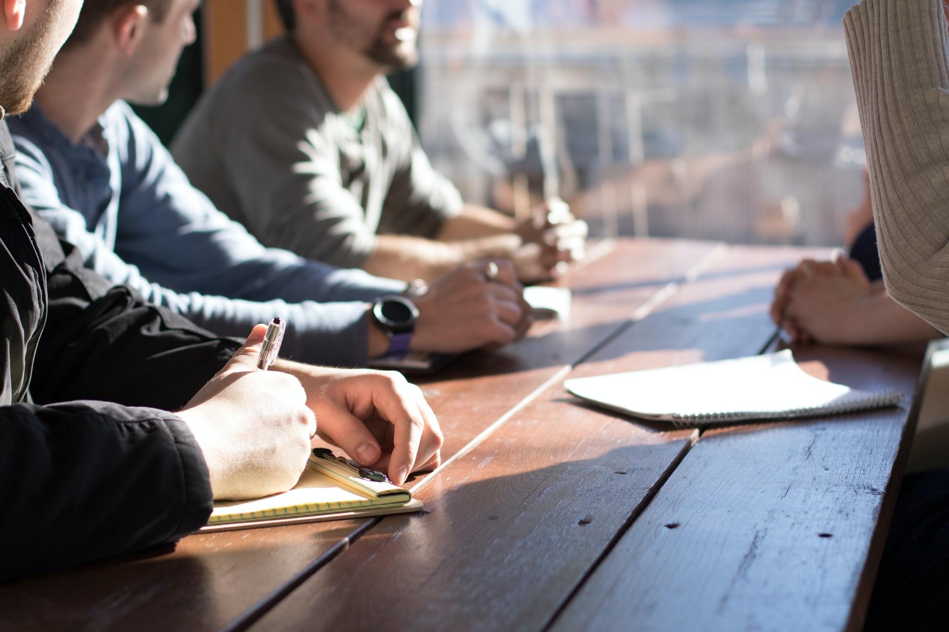 Cómo desarrollar correctamente la comunicación vertical en una empresa